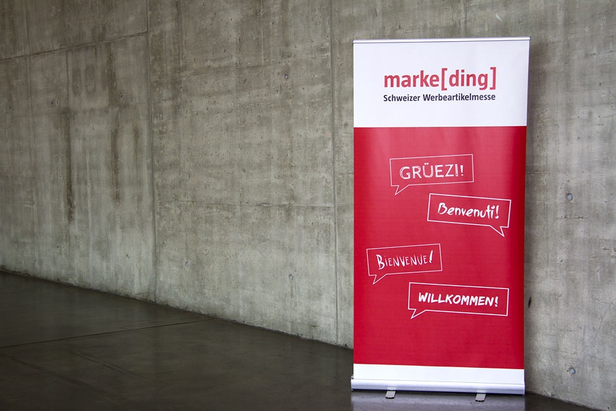 <span>marke[ding] Messe<br>grafik | eventfotografie | messedesign</span><i>→</i>