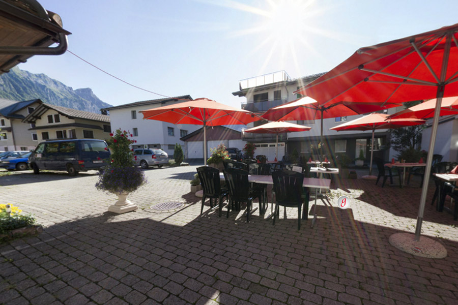 <span>Gasthaus Post<br>360° panoramatour</span><i>→</i>